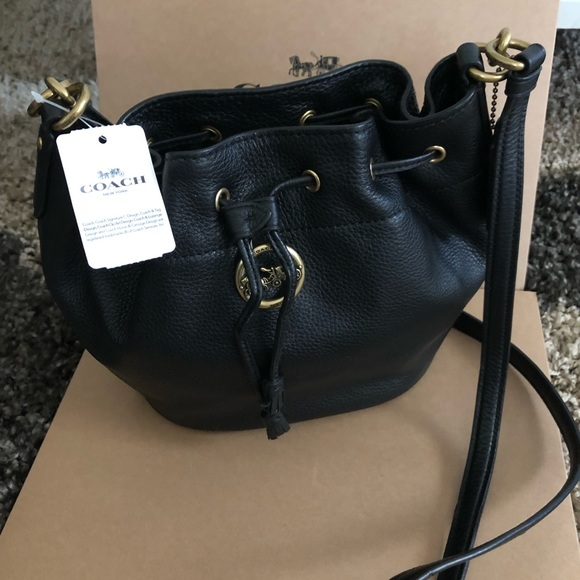 04ef1531675b NWT authentic Coach Elle Drawstring Small Bag